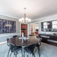 Condo in a boutique Lakeshore Drive building